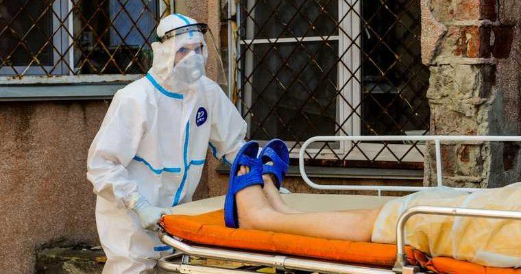 Побывавший в красной зоне врач рассказал о странностях коронавируса