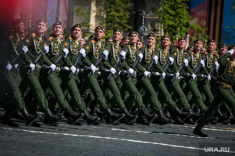 Солдат устроивший ЧП на параде попал туда из-за жалости офицера