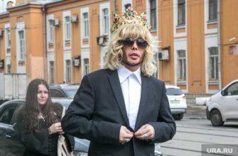 Сергей Зверев 23 февраля служил поздравил инстаграм фото армия